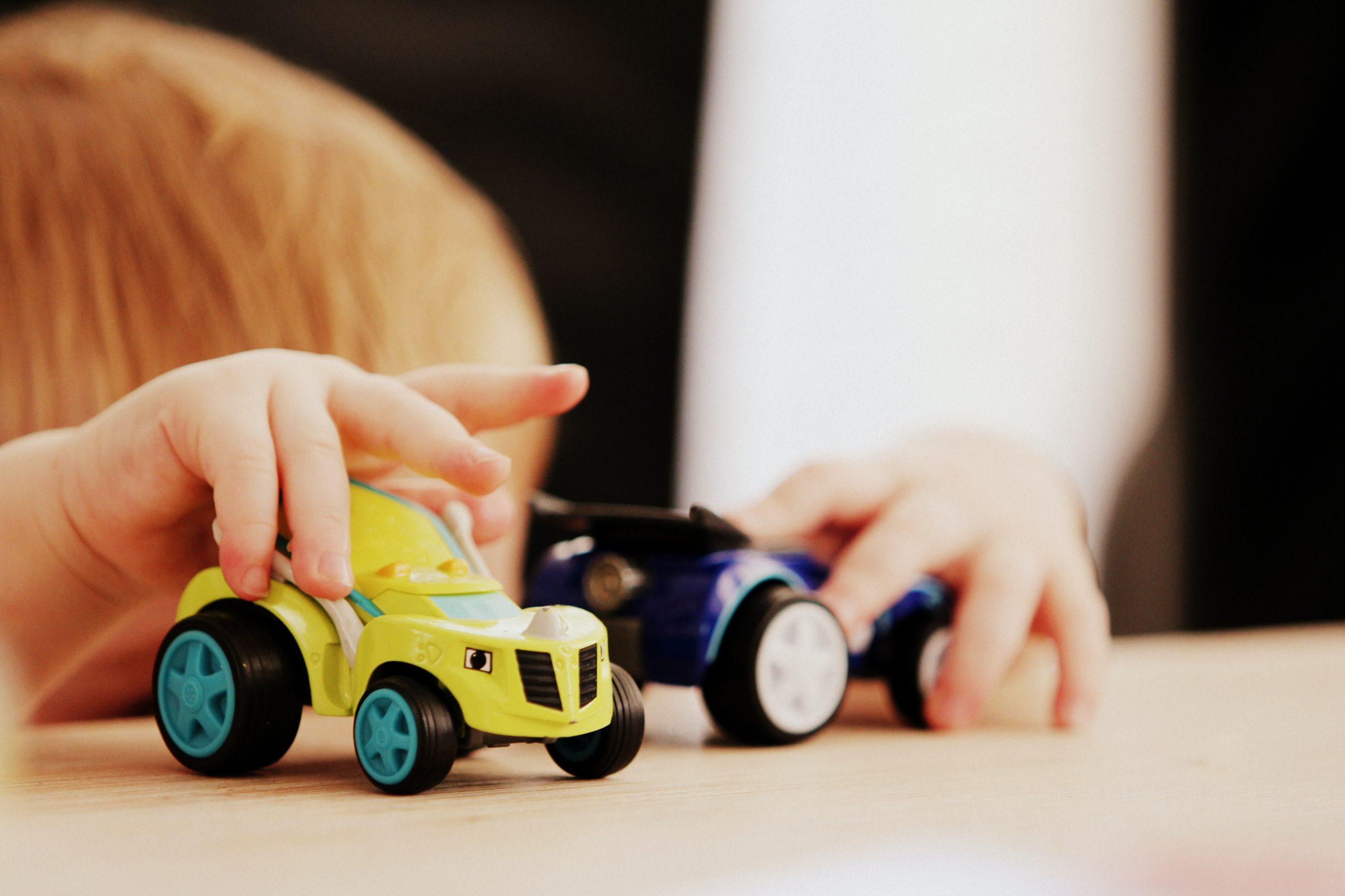 Girl toys vs boy toys: The experiment – BBC Stories